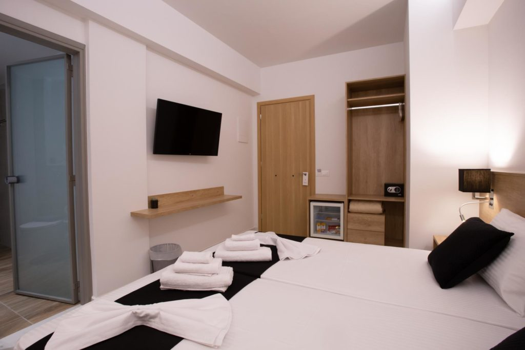 Double Room Bed Details 6 Marvel Deluxe Rooms Heraklion Crete