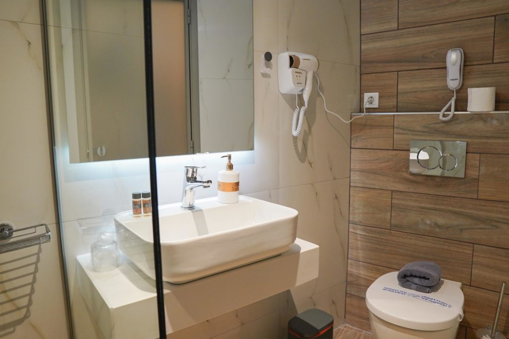 Quadruple Room Bathroom 1 Marvel Deluxe Rooms Heraklion Crete
