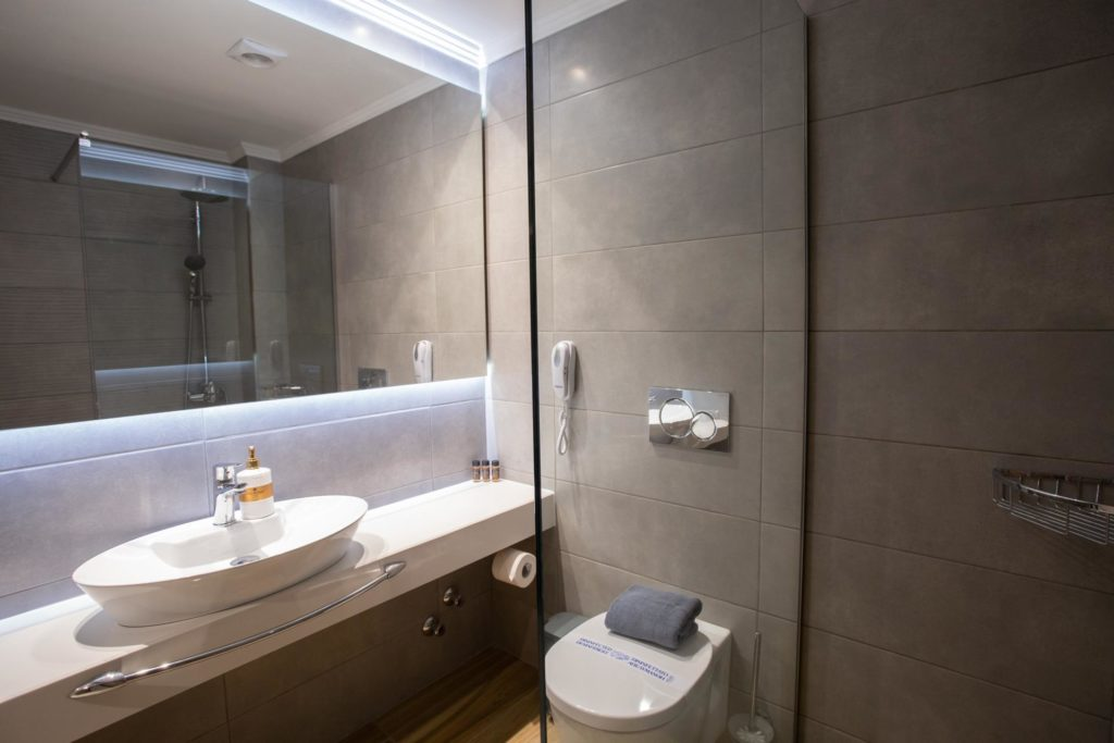 Quadruple Room Bathroom 2 Marvel Deluxe Rooms Heraklion Crete