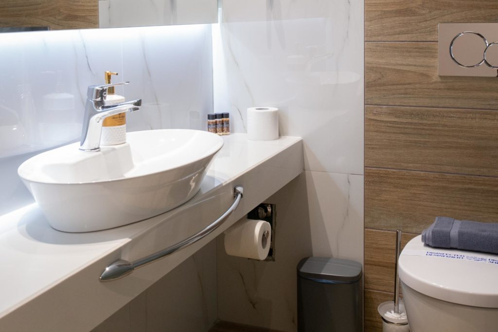 Triple Room Bathroom 2-Marvel Deluxe Rooms Heraklion Crete