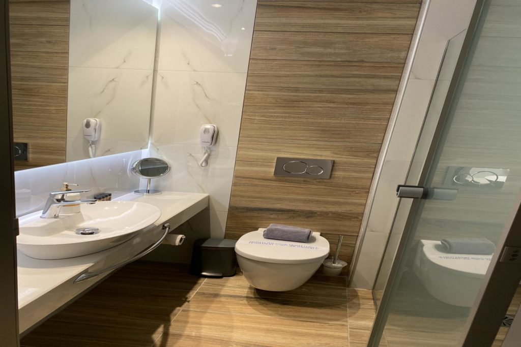 Triple Room Bathroom-Marvel Deluxe Rooms Heraklion Crete